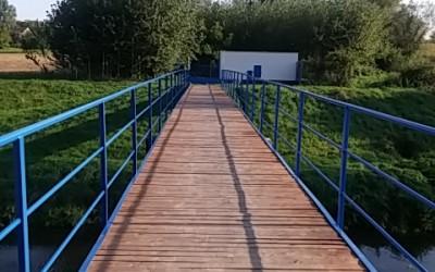 Opravená lávka přes řeku Olšavu