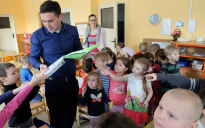 Jak třídit odpady, ukázalo město dětem ve školkách