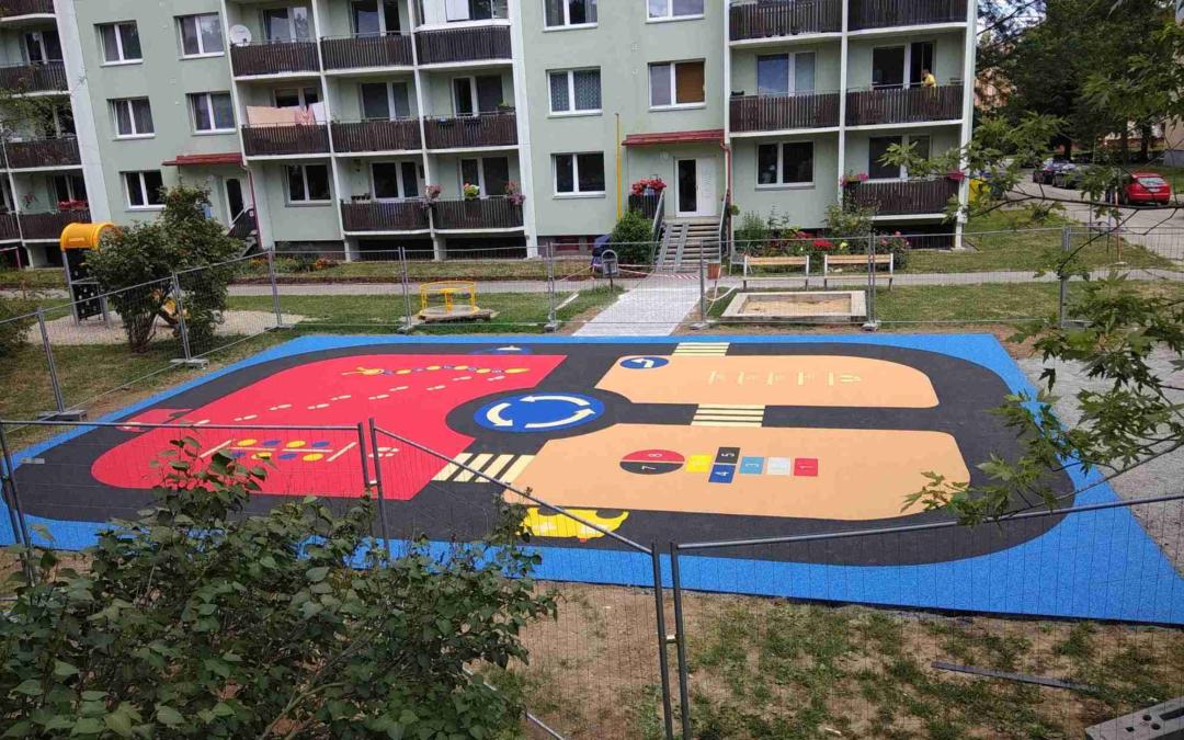 Děti si vUherském Hradišti užijí prázdniny na dalších dvou nových hřištích