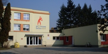 Město Uherské Hradiště se pustí do opravy chodníků před ZŠ Sportovní