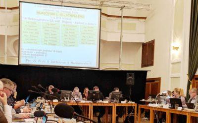 PRÁCE: Prosincové zasedání zastupitelstva města Uh. Hradiště probíhalo vakčním opozičním tempu (Piráti)